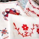 ハランドソム刺繍